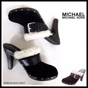 MICHAEL KORS BLACK SUEDE SHEARLING LINED CLOGS A2C
